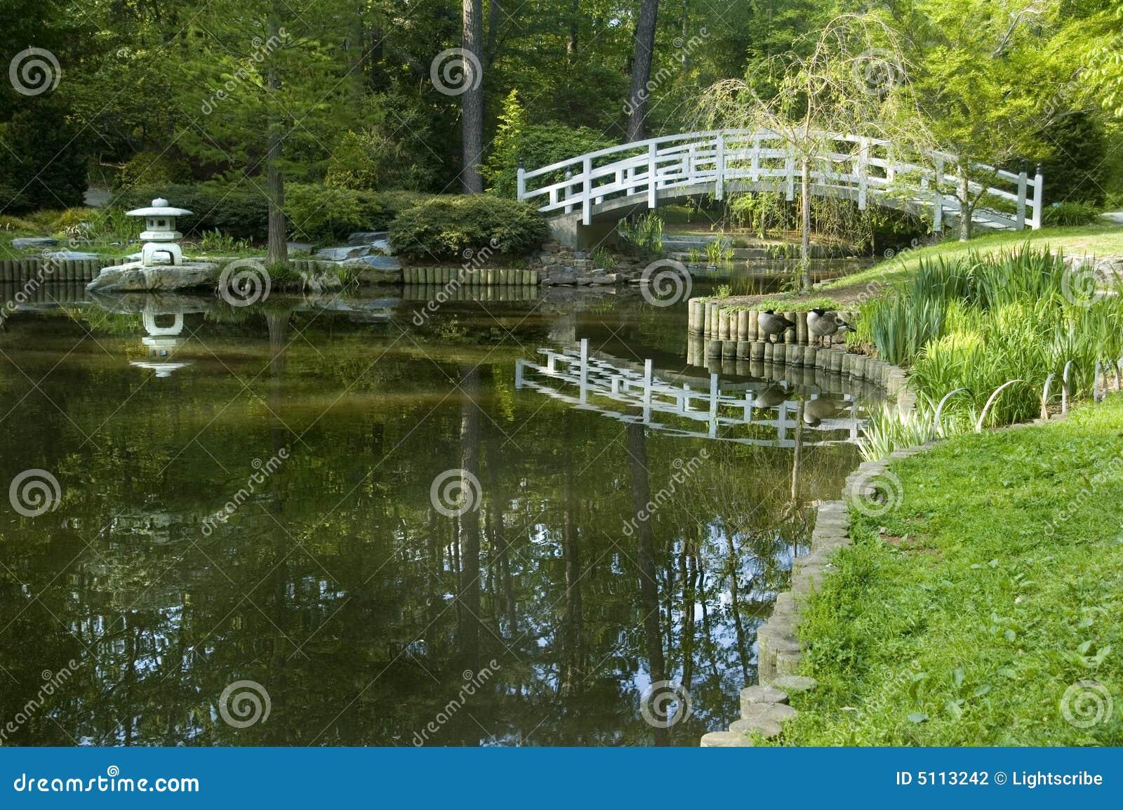 Chinesischer Garten Brucke | rheumri.com