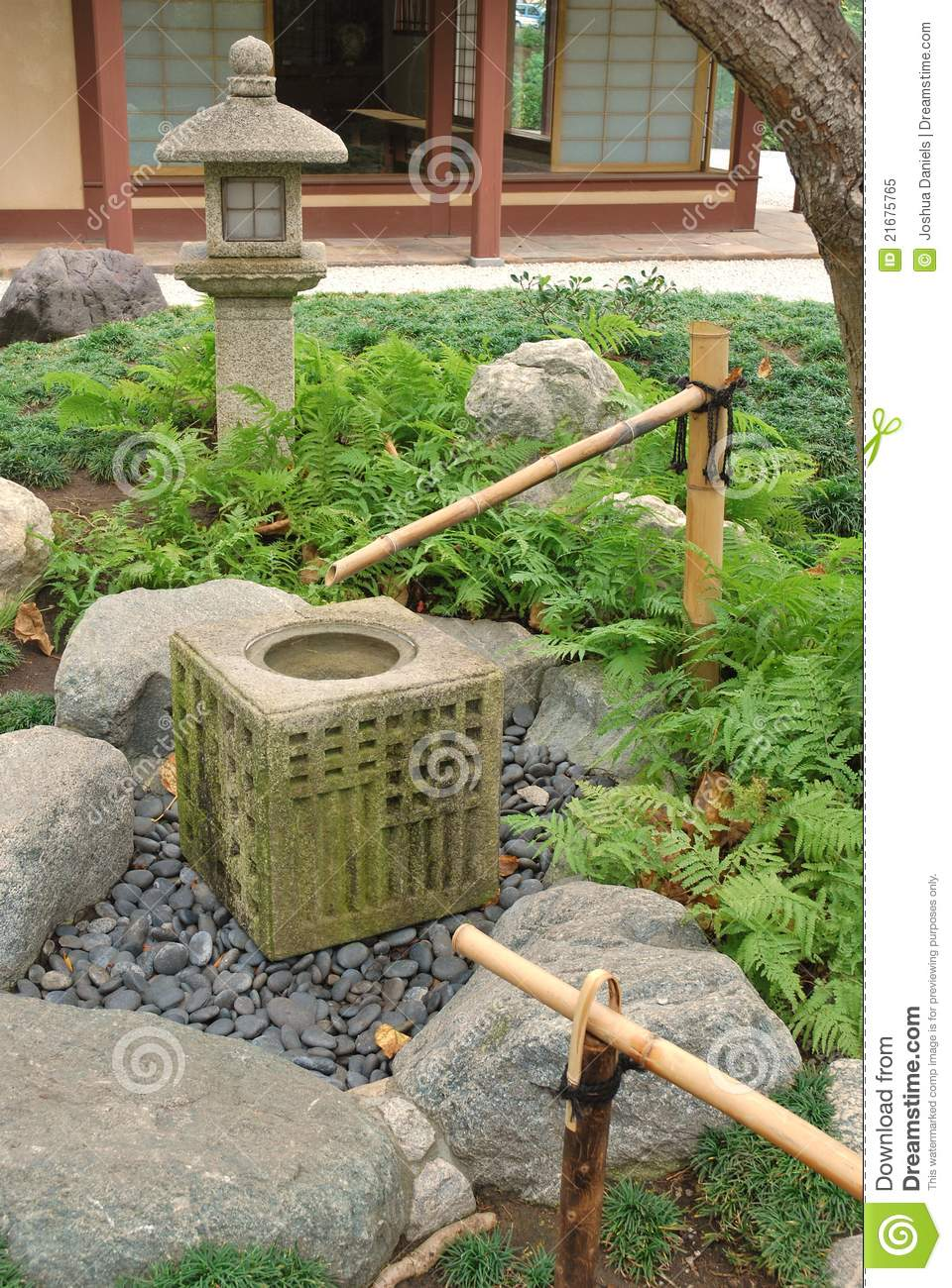 Japans het waterelement van de tuin royalty vrije stock foto afbeelding 21675765 - Critical elements for a backyard landscaping ...