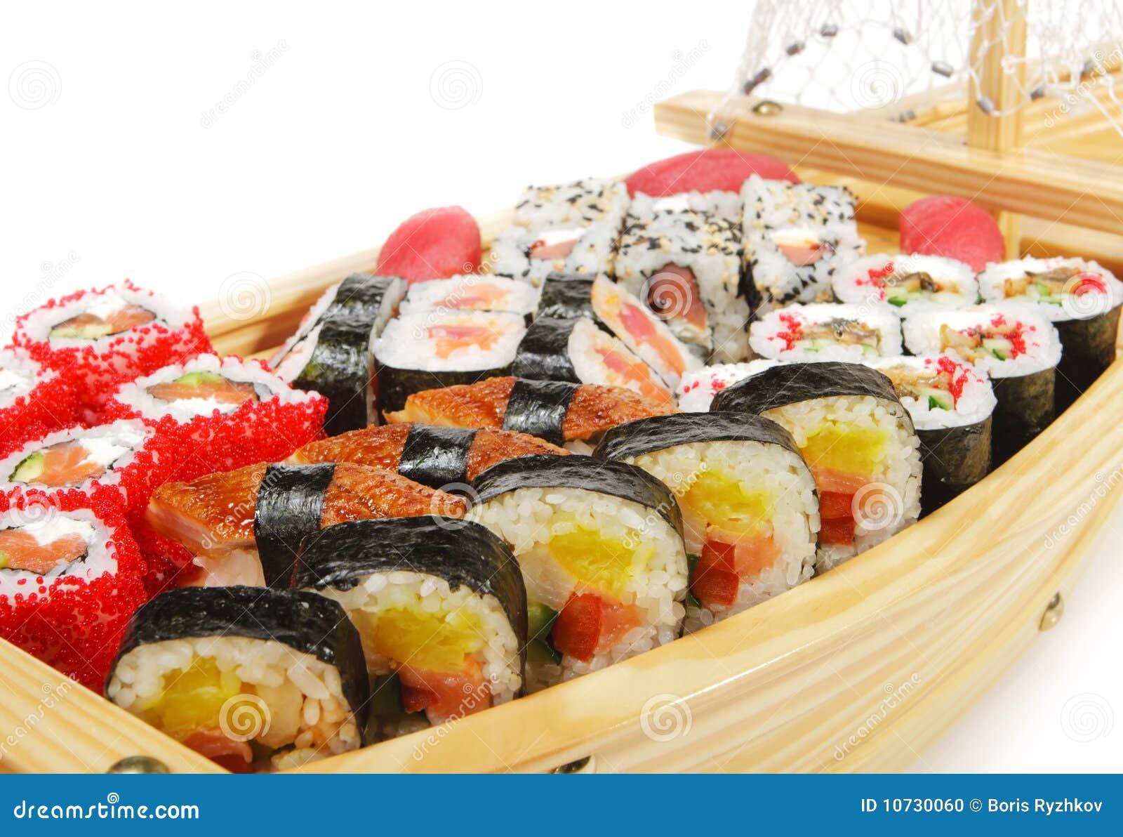Japanse keuken   het schip van sushi stock foto   afbeelding: 10730060
