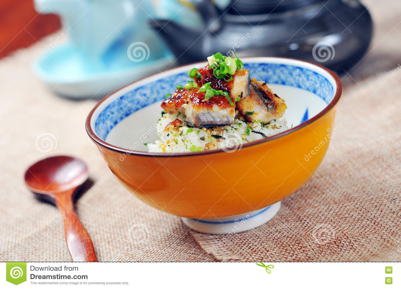 Japanse palingsrijst stock foto afbeelding 75928341 - Hoek maaltijd ...