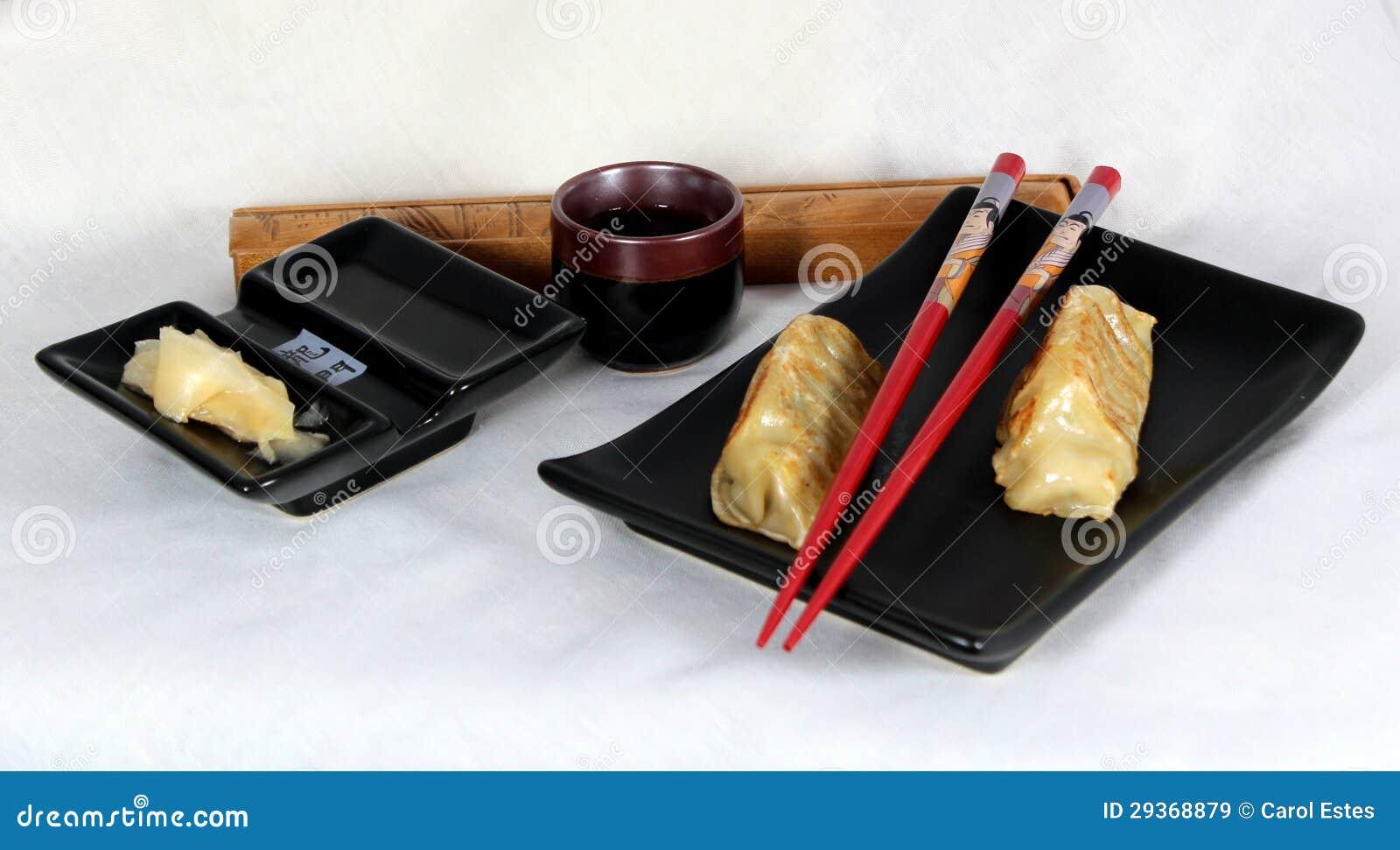 Japanse potstickers met gember, soja en belang.