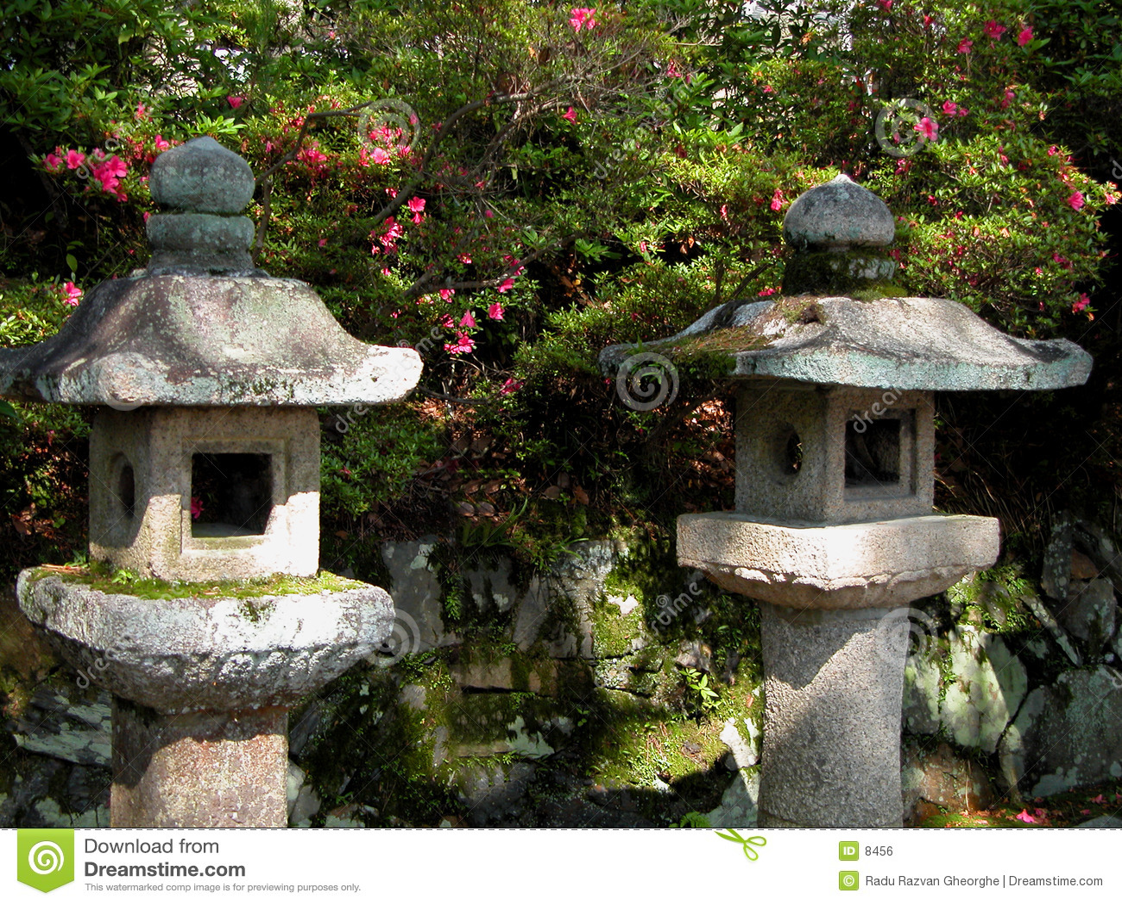 Japanse steenlantaarns