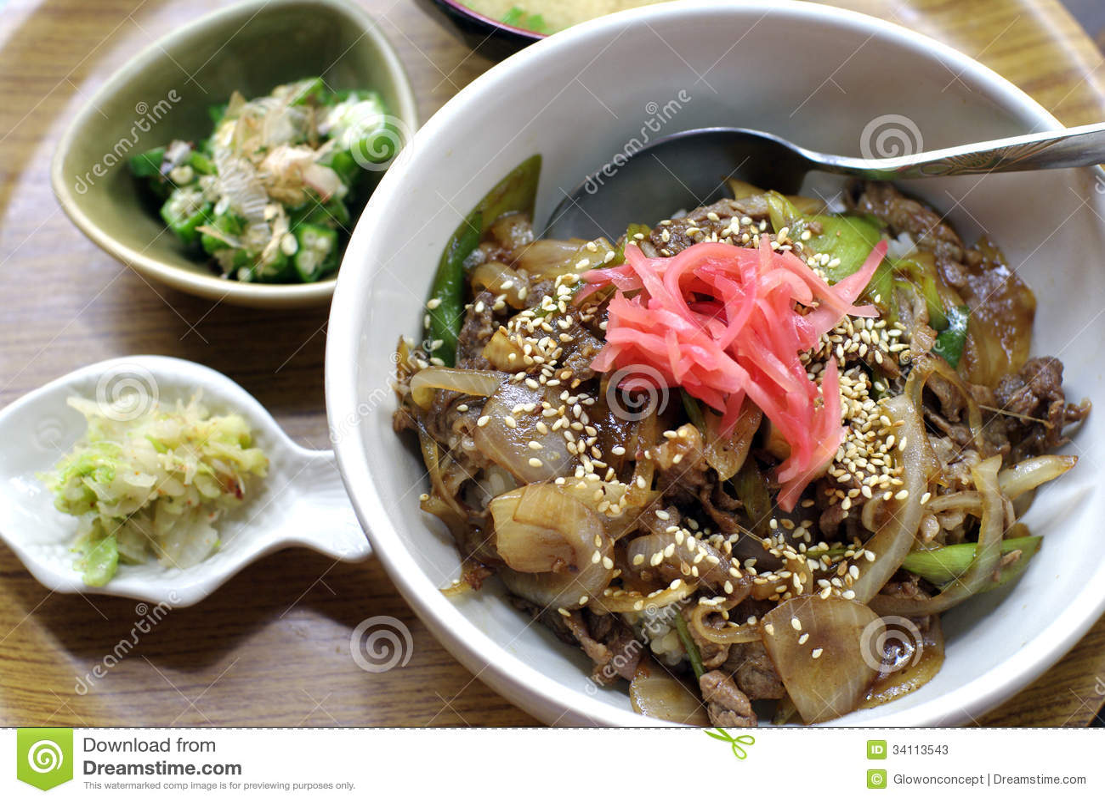 Japanskt nötkött över ris