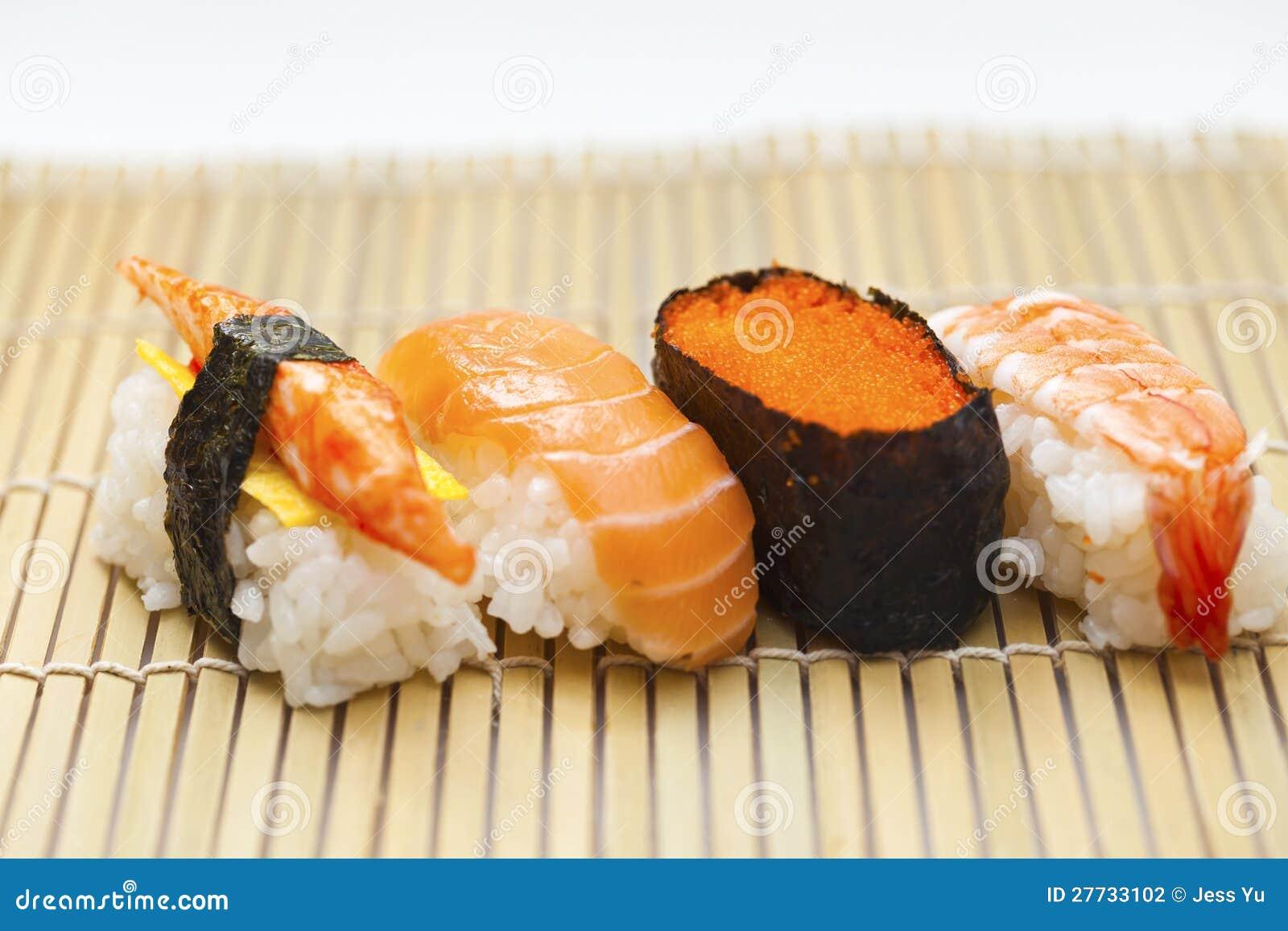 Japnese Sushi auf Bambus