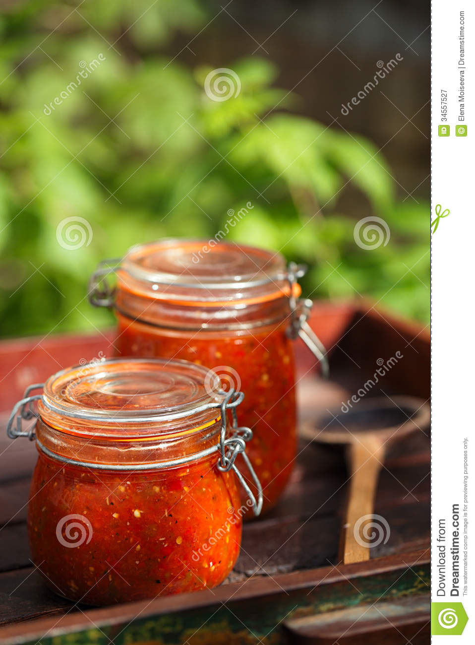 how to open salsa jar
