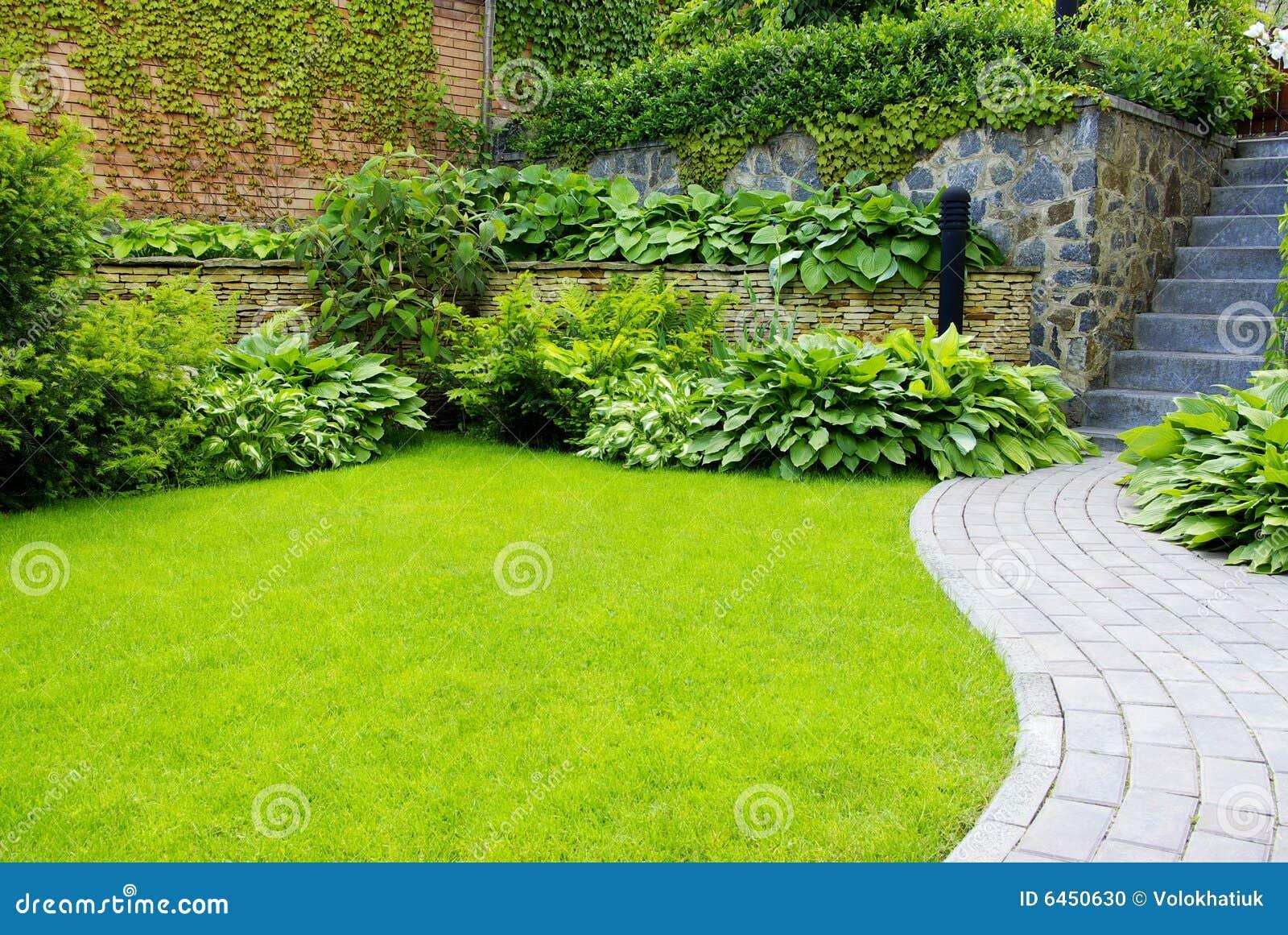 Jardín;