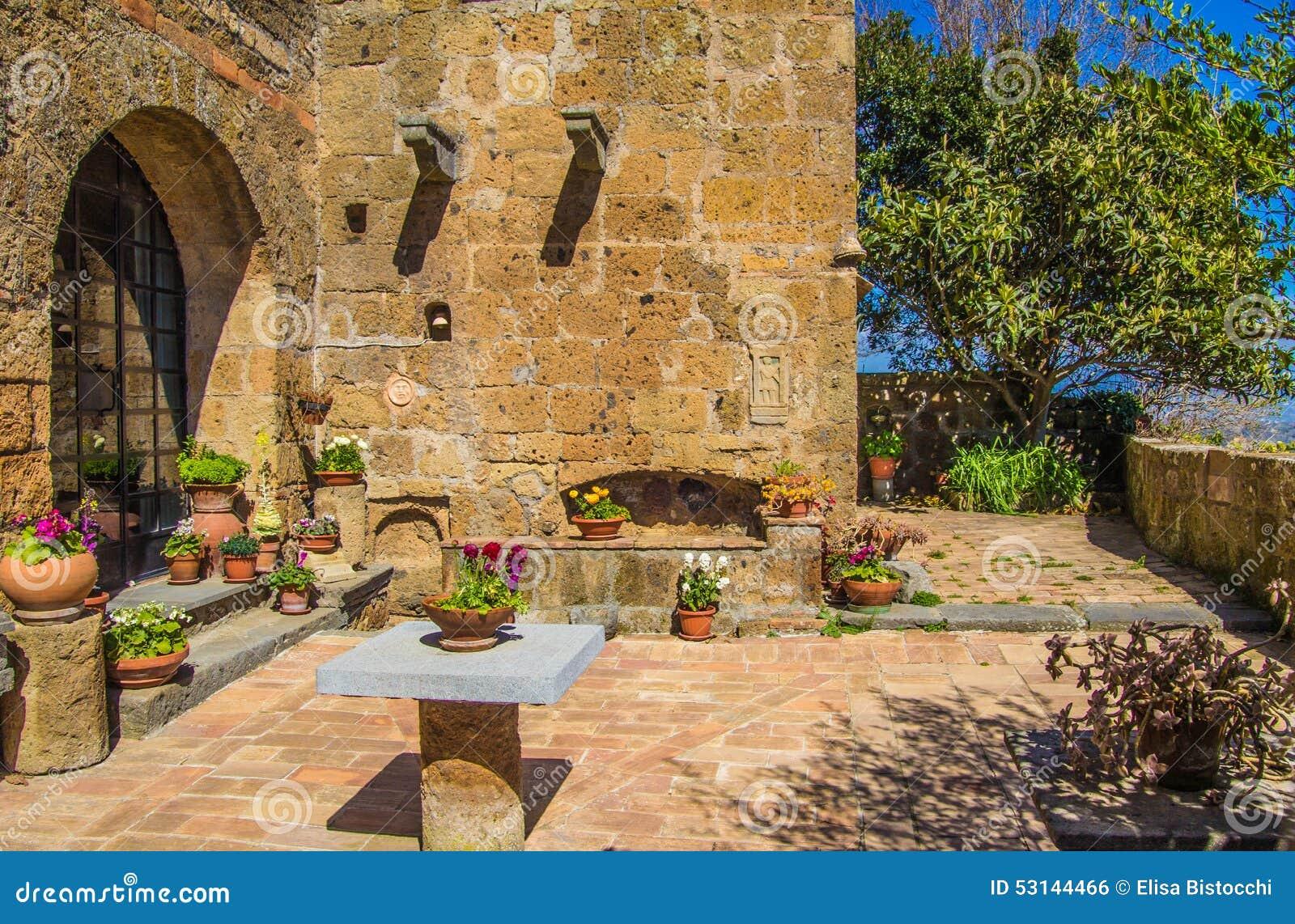 Jardín De La Casa Italiana Foto De Archivo Imagen De
