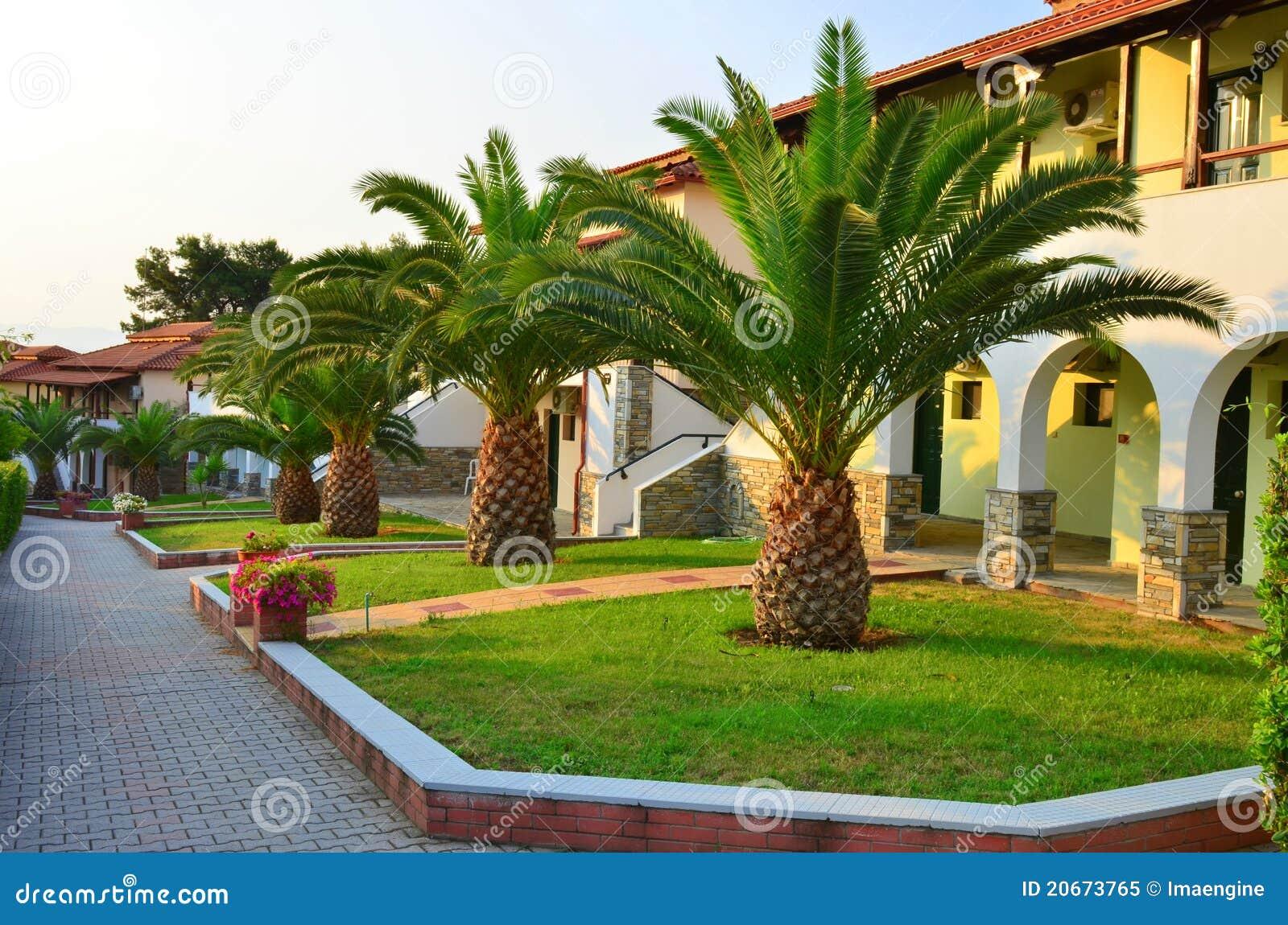 Jard n de las palmeras de un centro tur stico de los - Jardines con palmeras ...