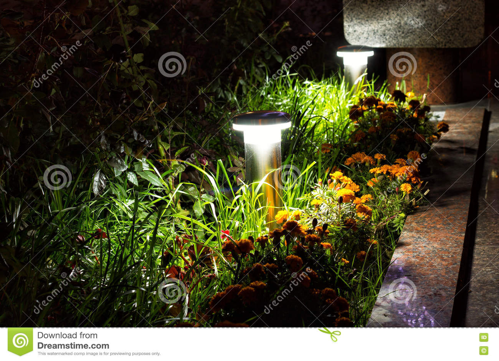 Iluminacion jardin led gallery of consejos para iluminar - Iluminacion led jardin ...