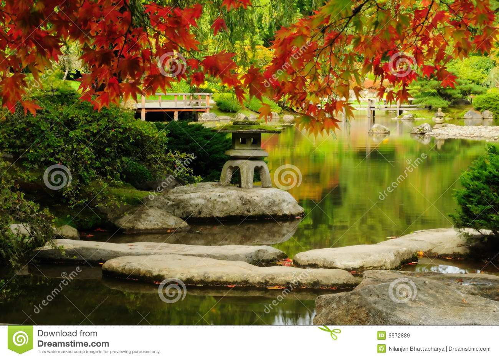 Jard n japon s hermoso en oto o for Jardines en otono