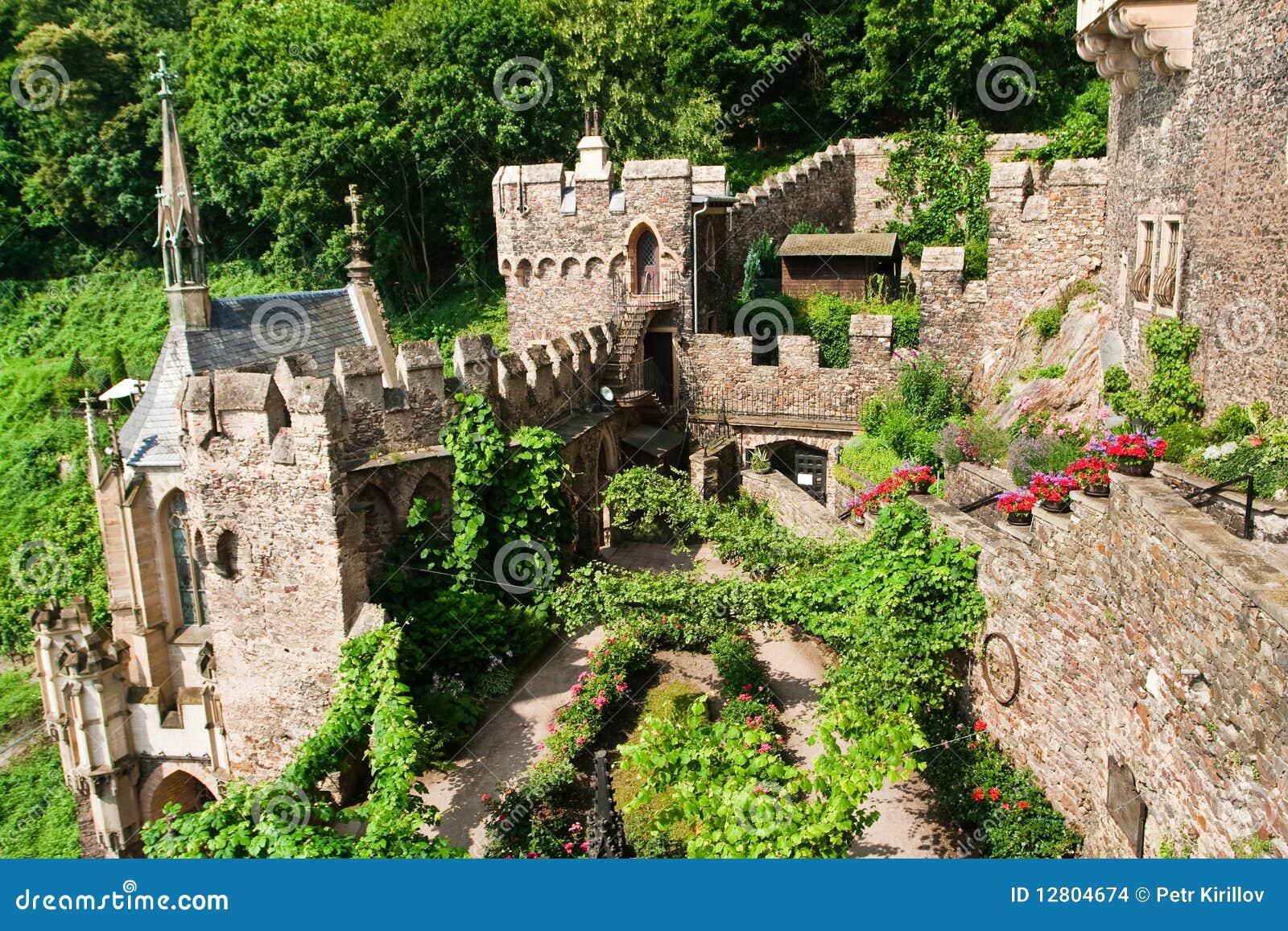 Jarda interna do castelo velho