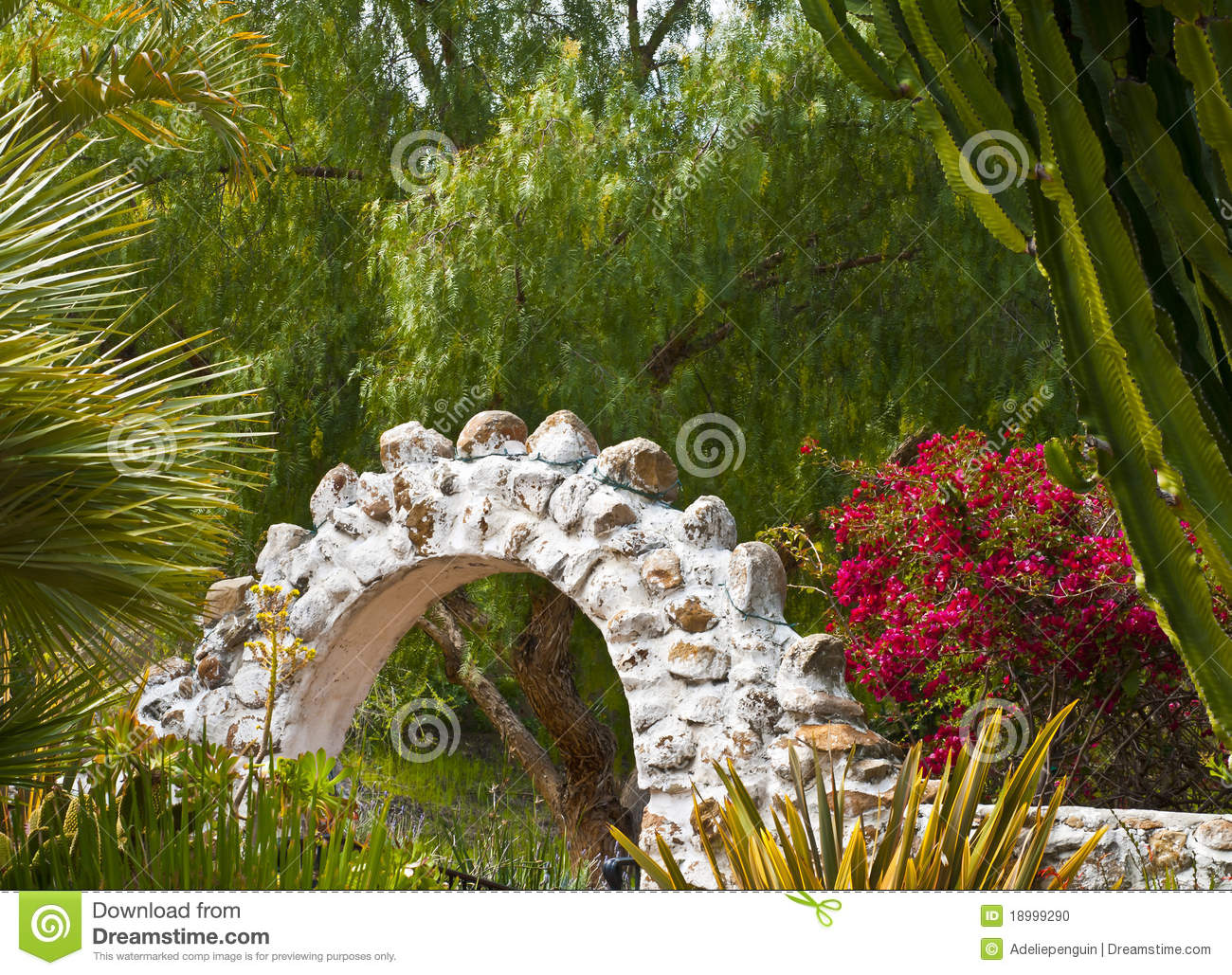jardim pedras e flores : jardim pedras e flores:Pictures of Stone Arches with Flowers