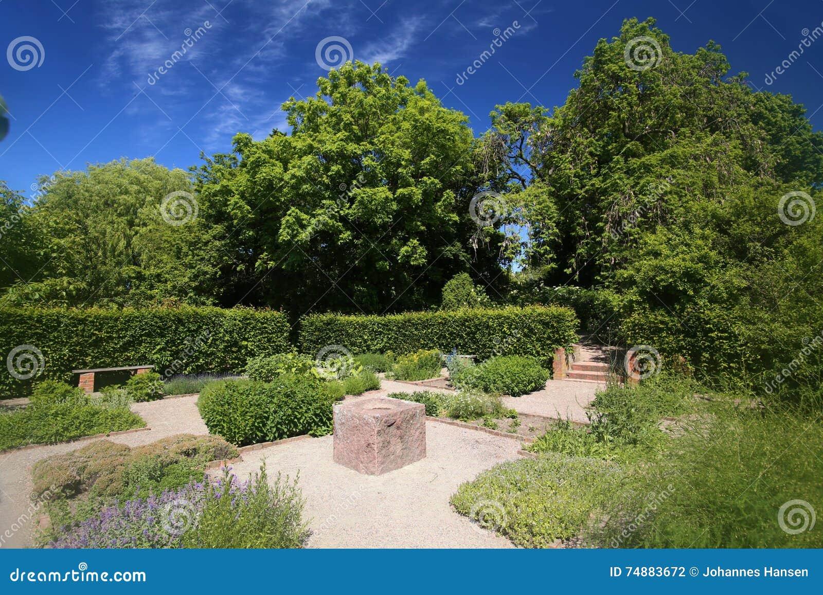 Jardim de erva em Trelleborg na Suécia do sul