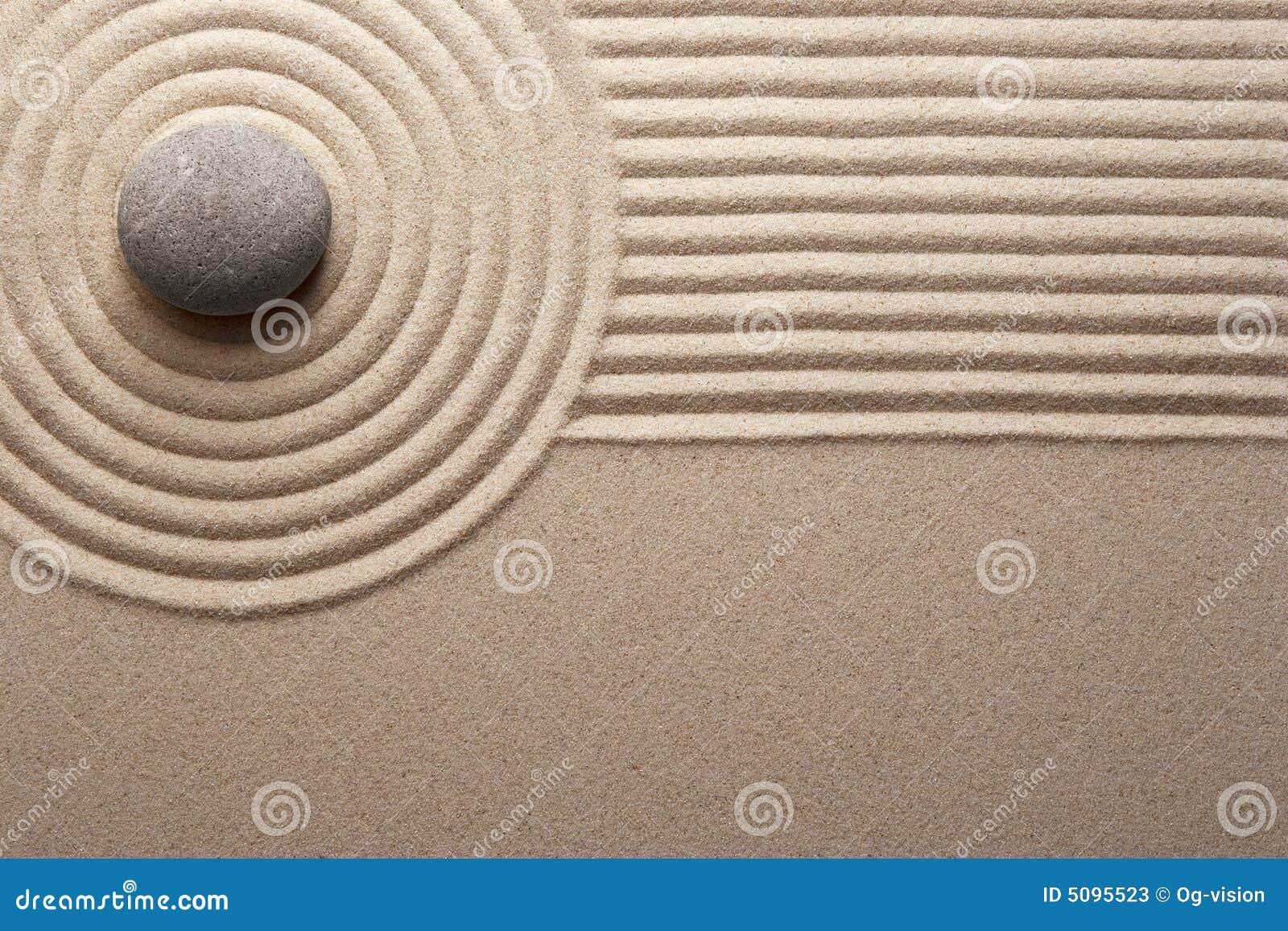 fotosPedra na areia ajuntada Mini jardim de rocha Conceito do zen