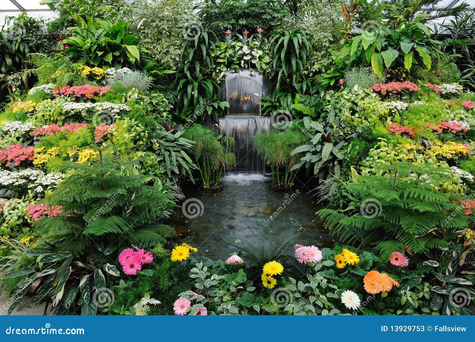 fotos de jardim interno : fotos de jardim interno:Fotos de Stock: Jardim interno