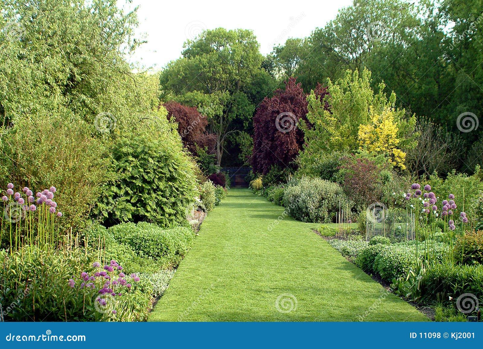jardin anglais de pays photo stock image du centrales comt 11098. Black Bedroom Furniture Sets. Home Design Ideas