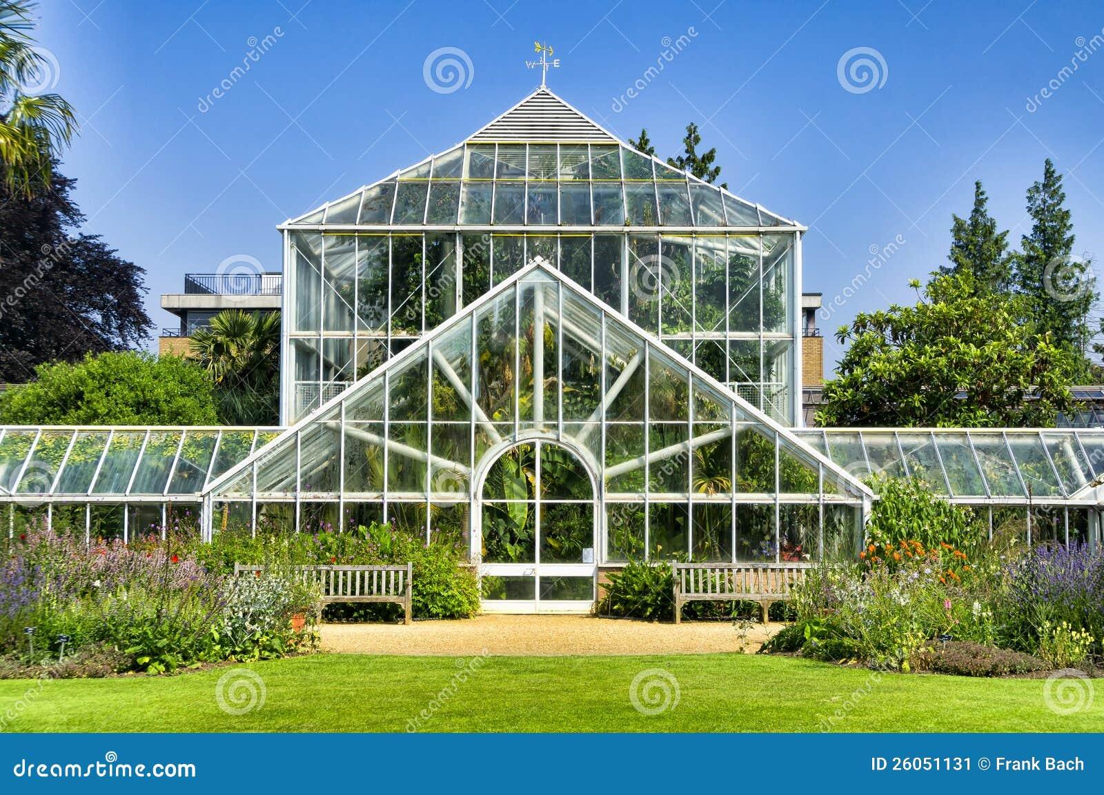 jardin botanique serre chaude image stock image 26051131. Black Bedroom Furniture Sets. Home Design Ideas