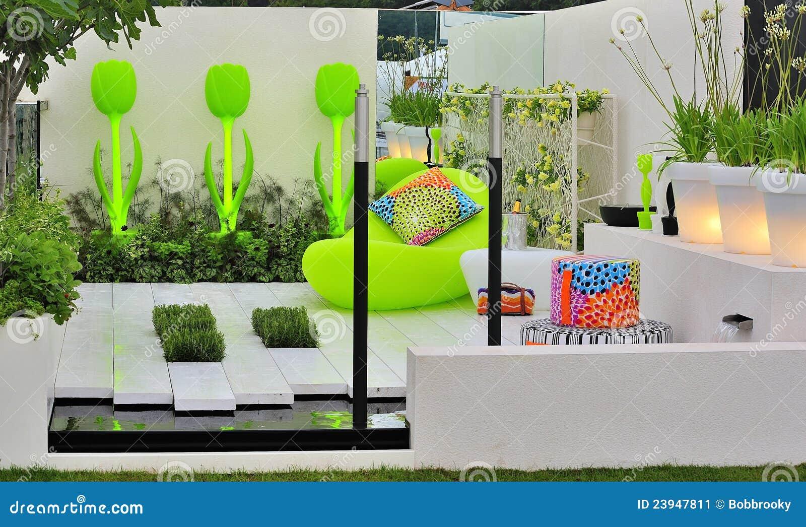 Jardin Contemporain De Concept Image stock - Image du entretien ...