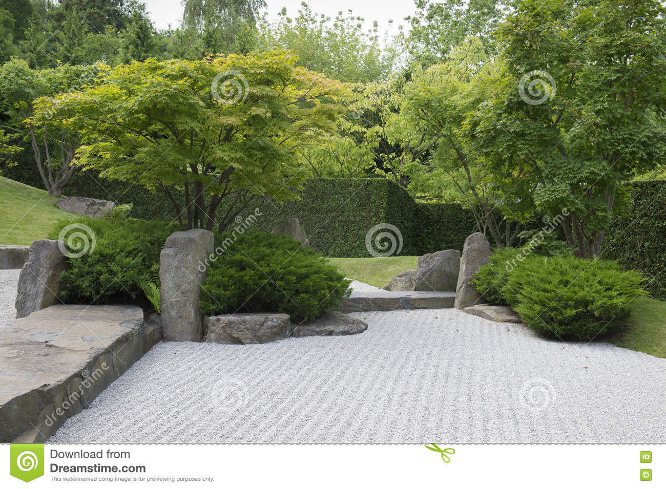 Jardin de japonais de gravier photo stock image 79644063 for Jardin gravier