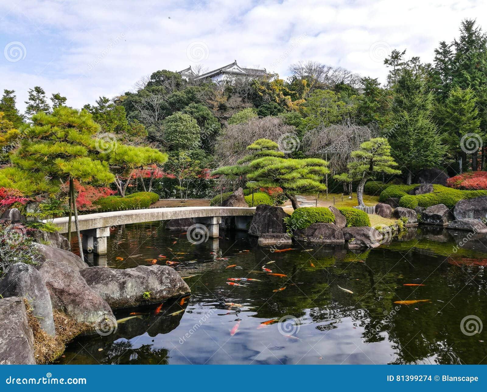 jardin de kokoen avec le ch teau de himeji photo stock