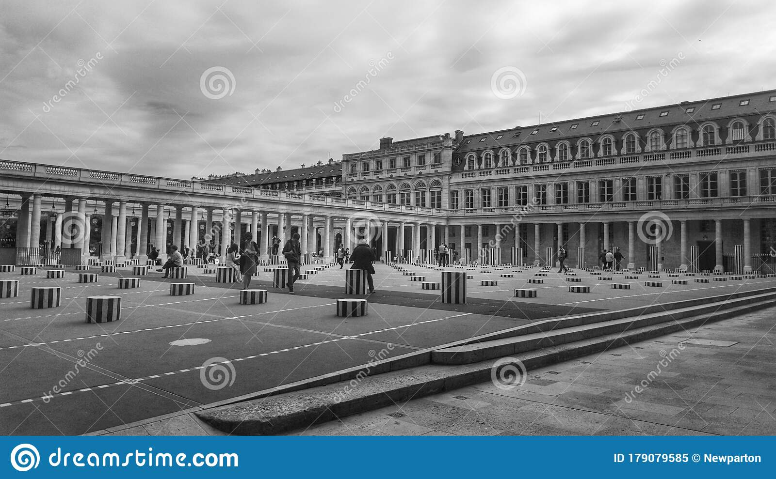Jardin De Palais Royal In Black And White Landmark Of Paris France Stock Image Image Of Palais Metropolis 179079585
