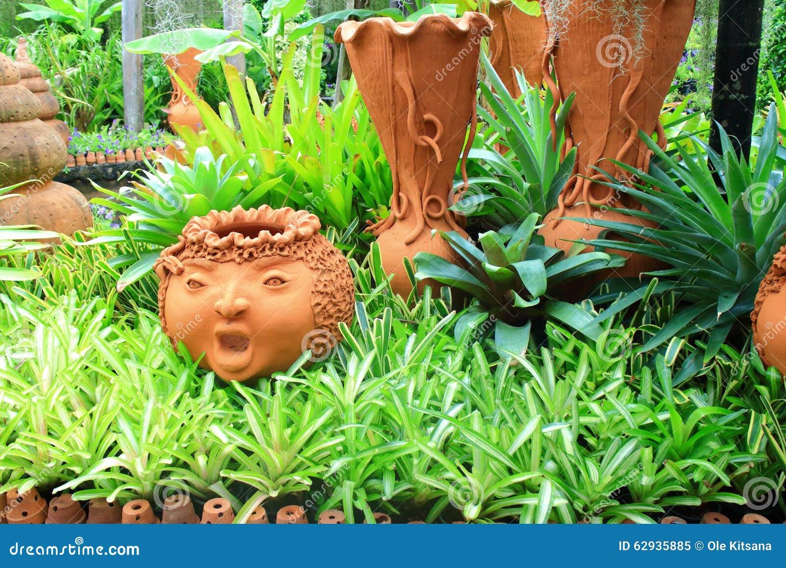 grande poterie de jardin poterie terre cuite fonce poterie terre cuite fonc poterie de jardin. Black Bedroom Furniture Sets. Home Design Ideas