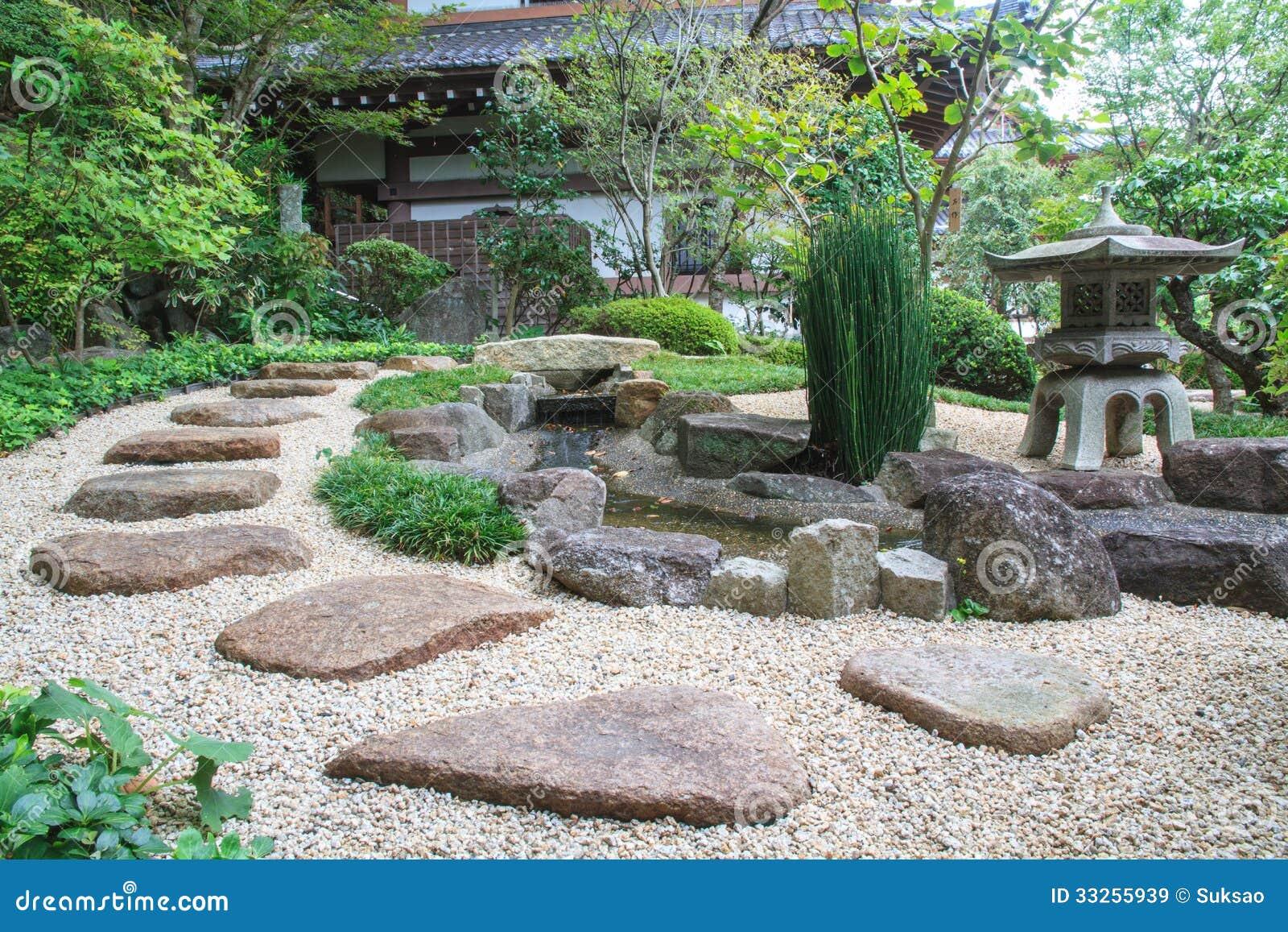 Jardin de style japonais images libres de droits image for Style japonnais