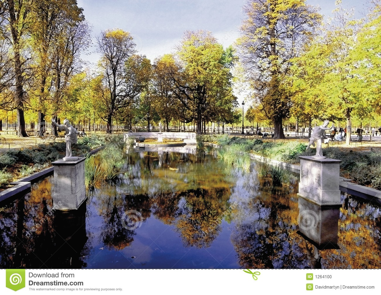 Jardin des tuileries paris france stock photo image 1264100 for Tuilerie jardin