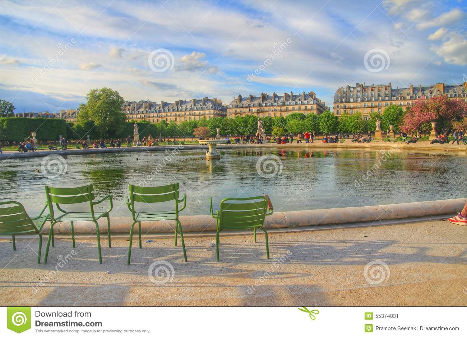 Jardin des tuileries paris france stock photo image for Jardin de france magnanville 78