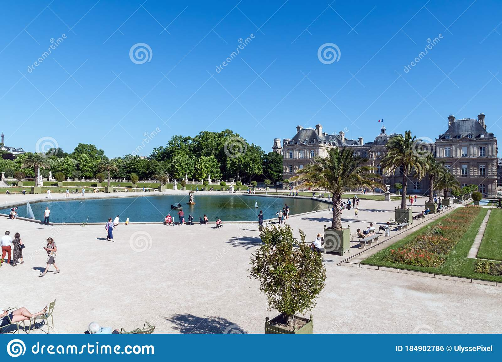 Jardin Du Luxembourg In Paris After Coronavirus Lockdown End Editorial Photo Image Of Monument Pond 184902786