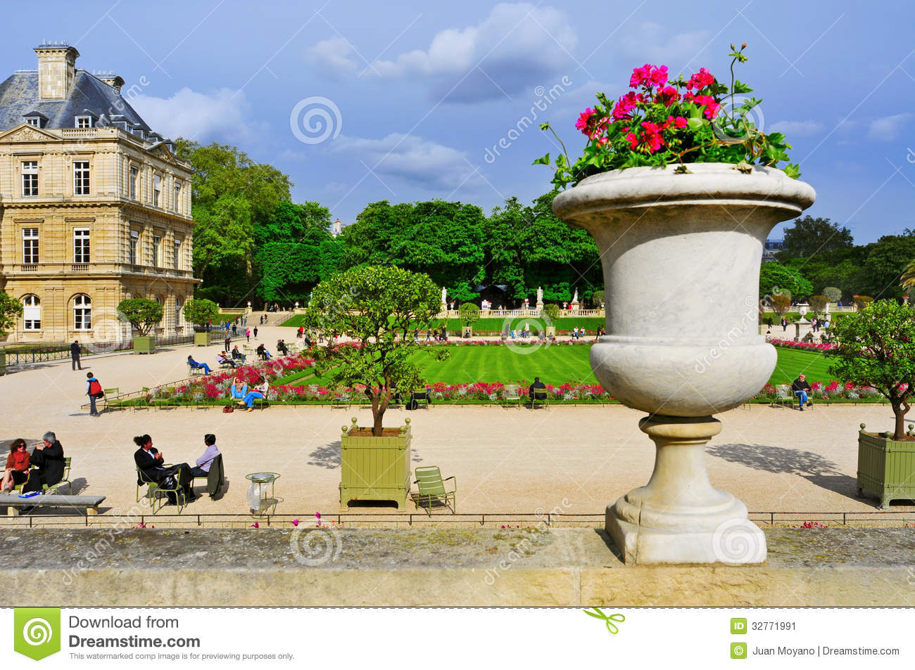 Jardin du luxembourg in paris france editorial photo for Jarden france