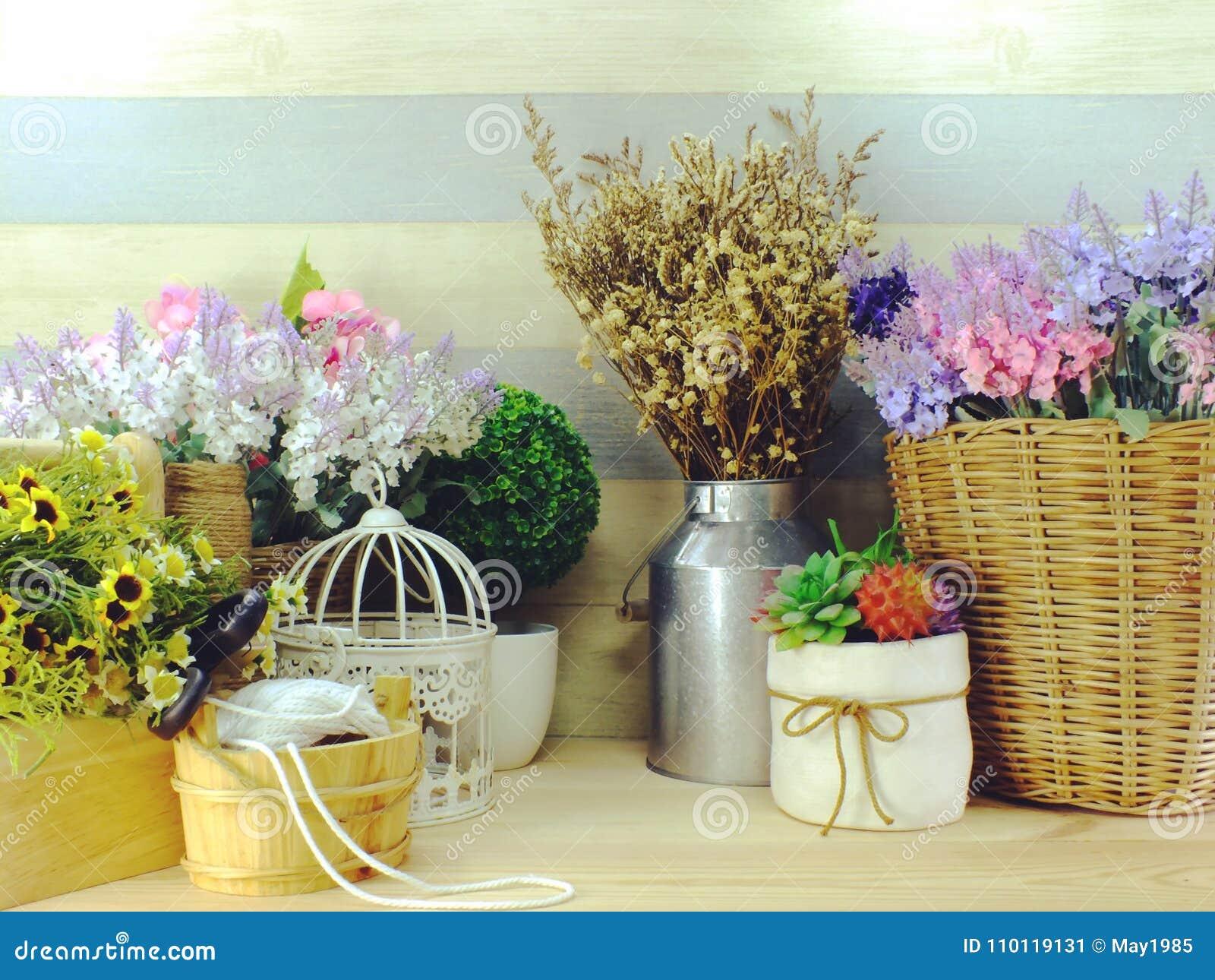 Jardin Et Décor à La Maison Avec Des Accessoires Pour L ...