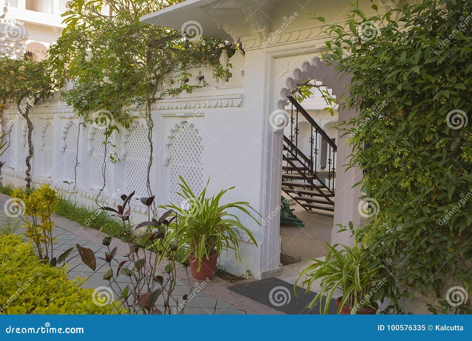Jardin Exotique Conception De Paysage Du Jardin Image Stock Image