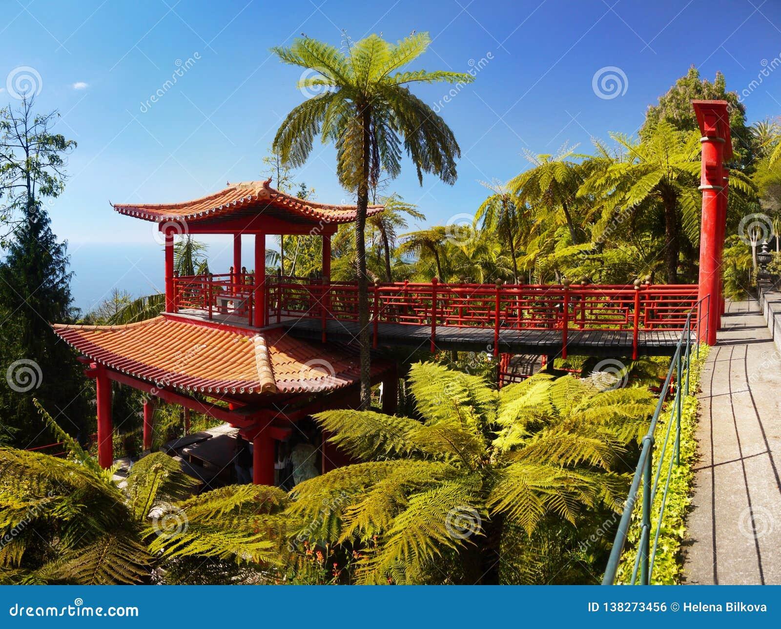 Jardin Japonais Chinois, Zen De Pagoda Photo stock - Image ...