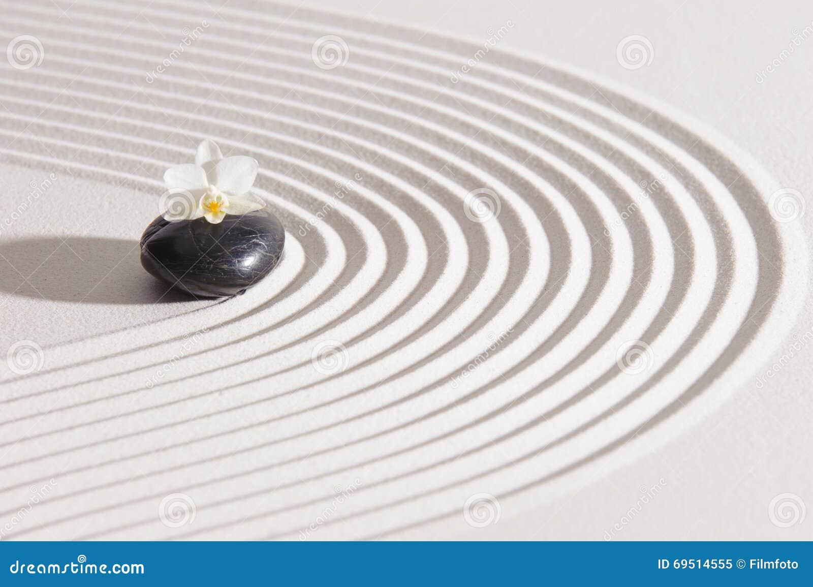 Jardin japonais de zen avec le yin et le yang photo stock for Jardin yin yang