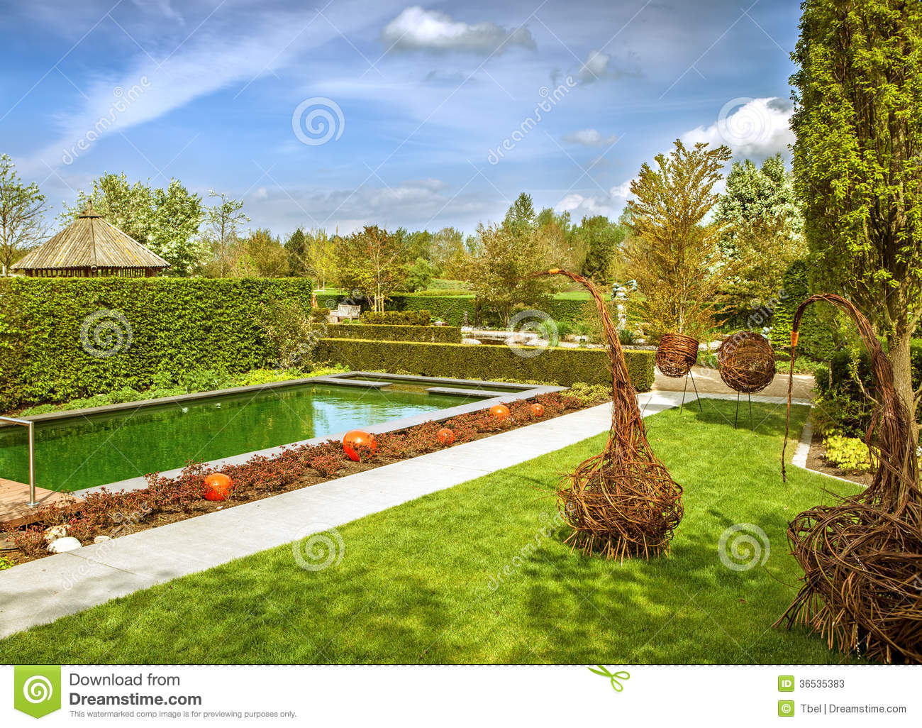 Jardin moderne photos stock image 36535383 for Image jardin moderne