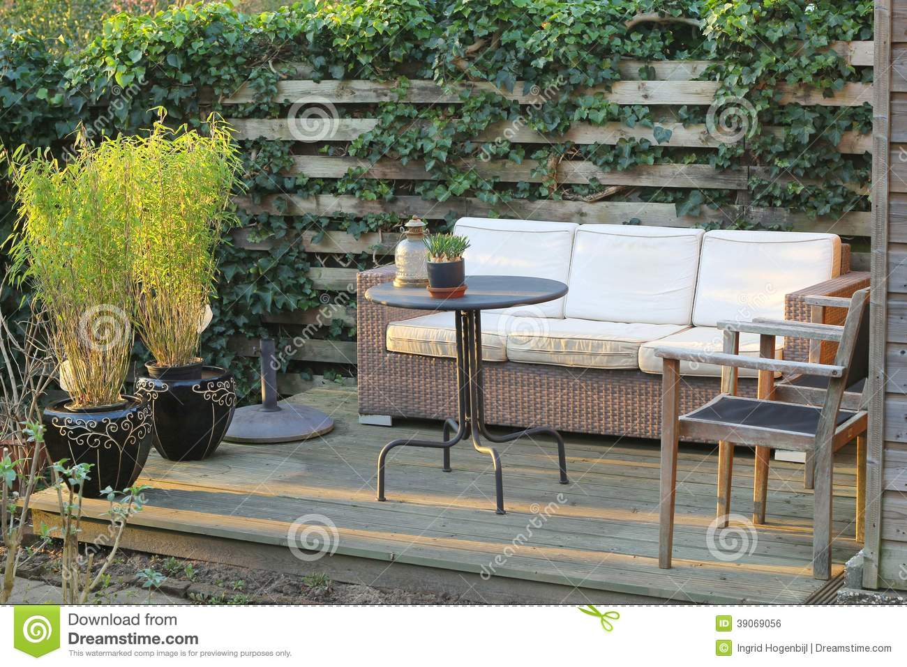 Jardin moderne photo stock image du ambiance confortable for Jardin moderne