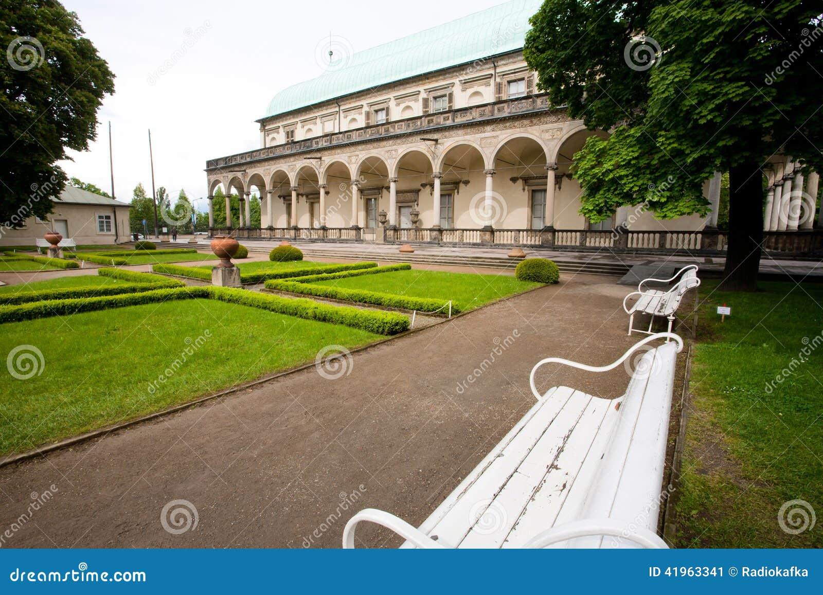 Jardin royal prague photo stock image 41963341 for Jardin royal