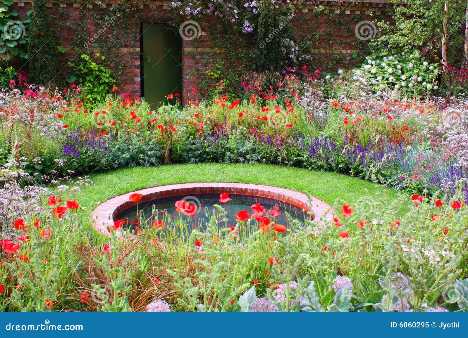 Jardin sauvage photo libre de droits image 6060295 for Jardin sauvage