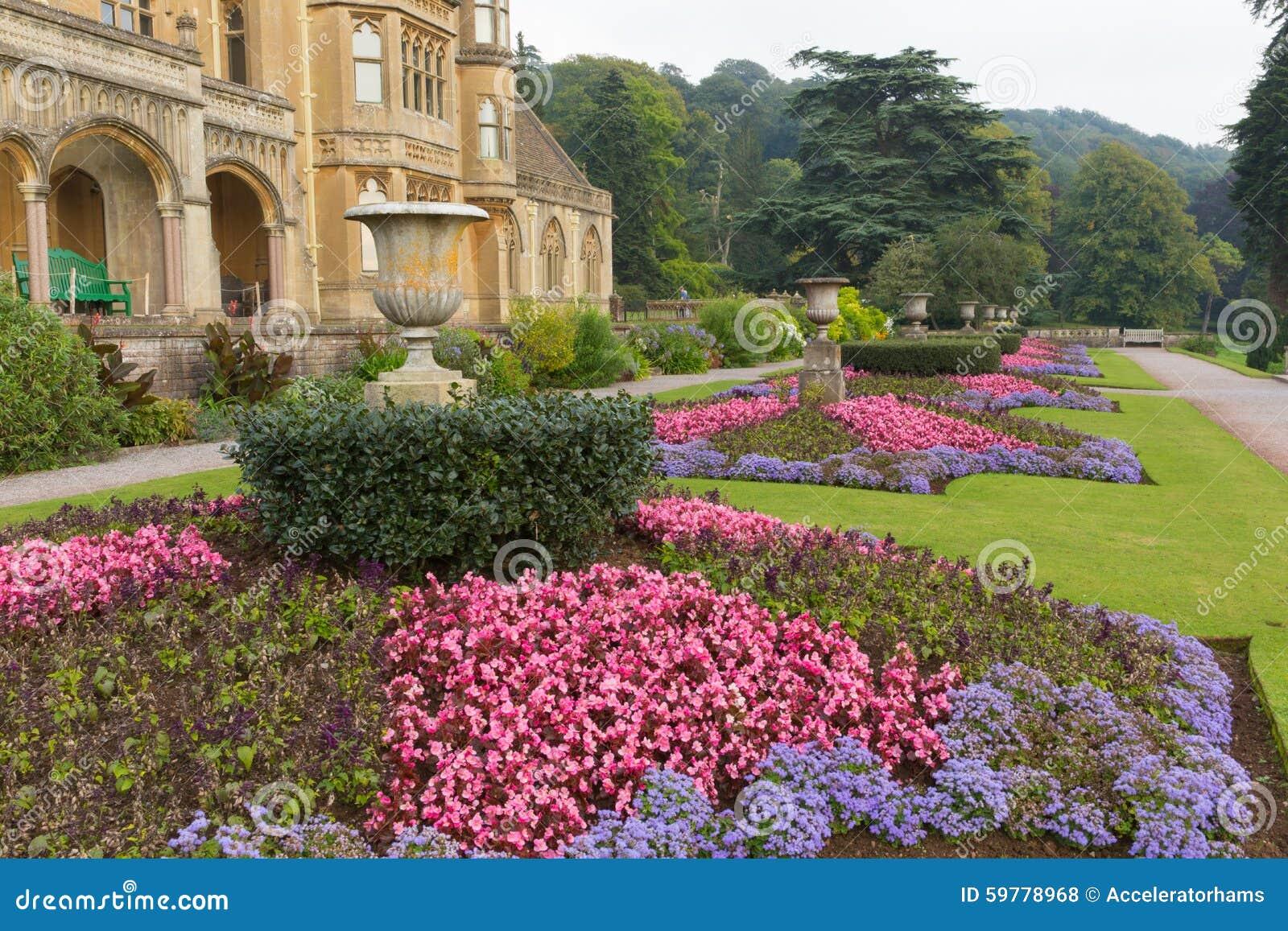 jardines de flores hermosos en la casa de tyntesfield cerca de la mansin victoriana britnica del