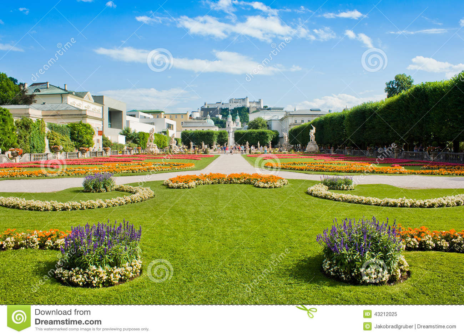 jardines famosos de mirabell en salzburg austria imagen