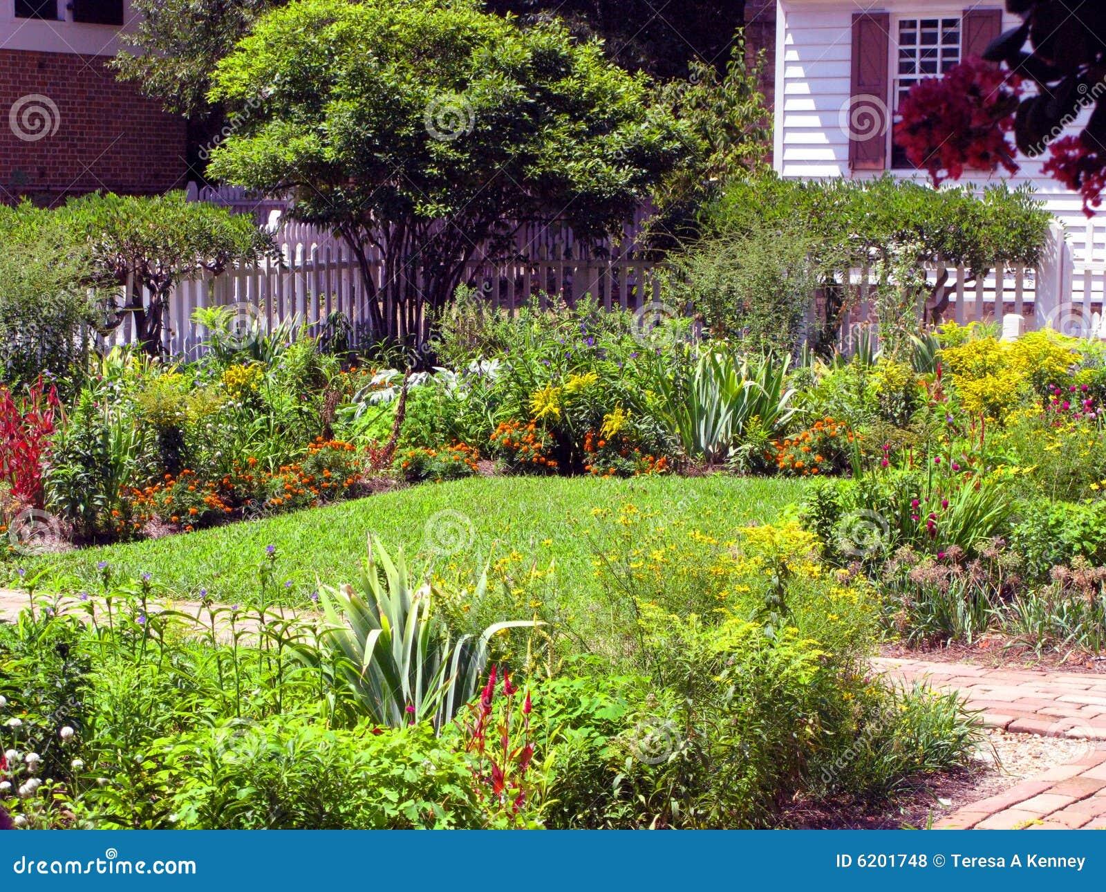 fotos jardins lindos : fotos jardins lindos:Jardins Bonitos Fotos de Stock Royalty Free – Imagem: 6201748
