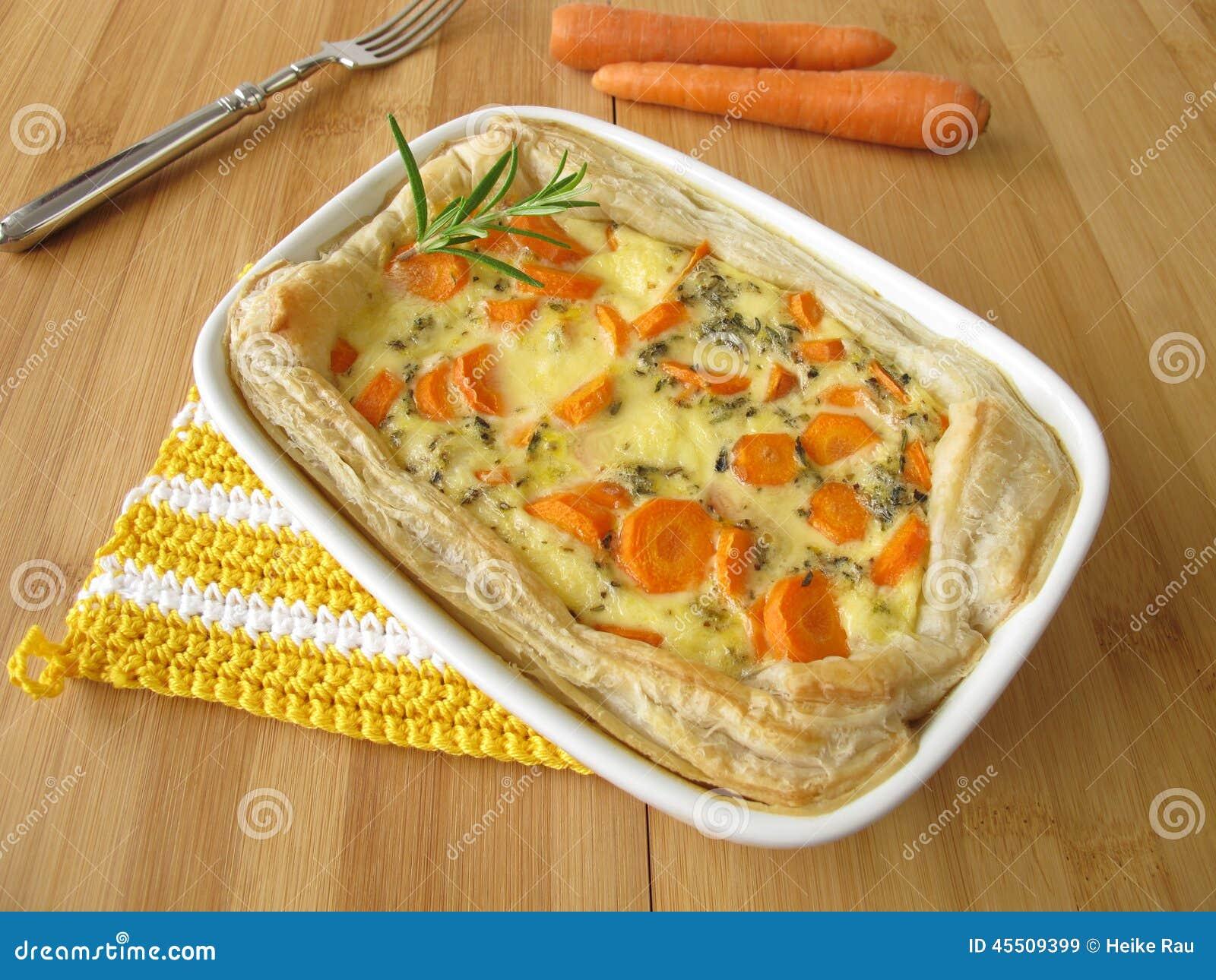 Jarzynowy kulebiak z marchewkami