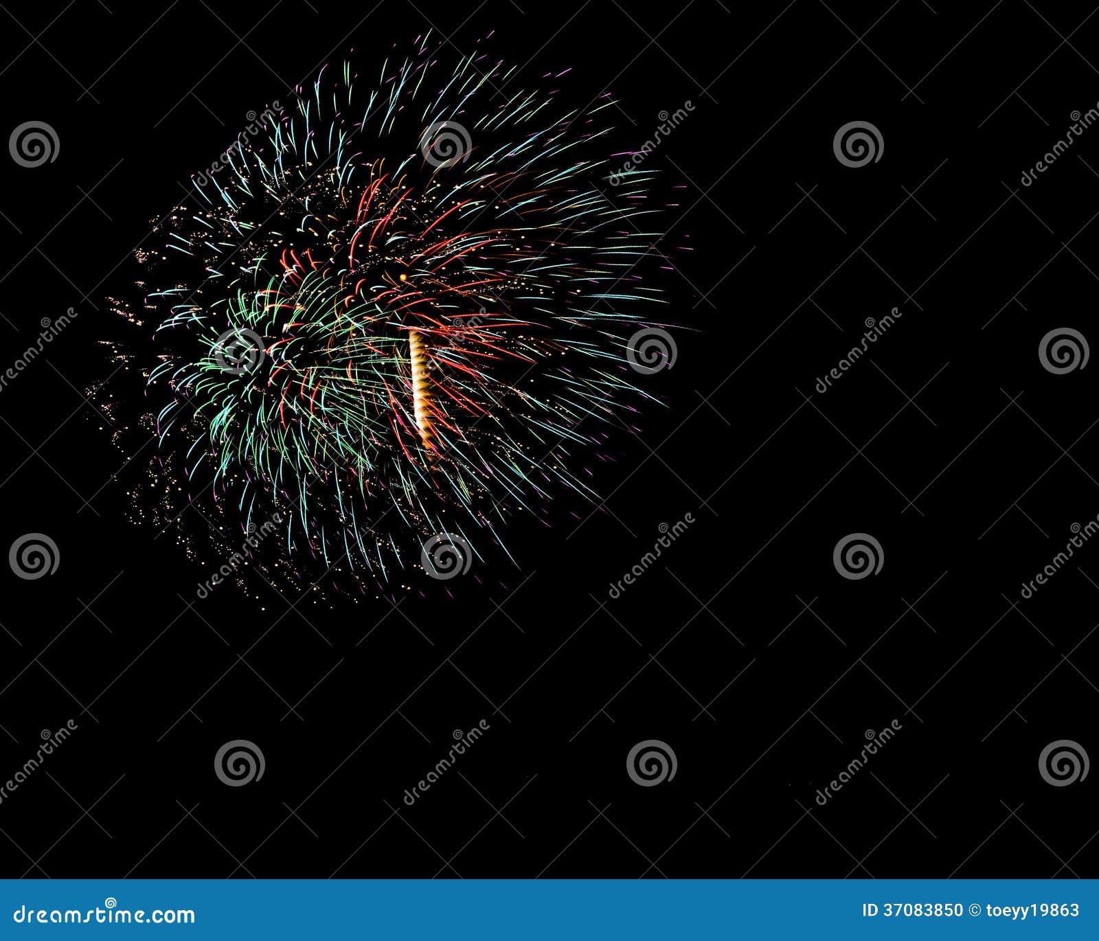 Download Jaskrawy Kolorowi Fajerwerki Zdjęcie Stock - Obraz złożonej z wybuch, szczęście: 37083850