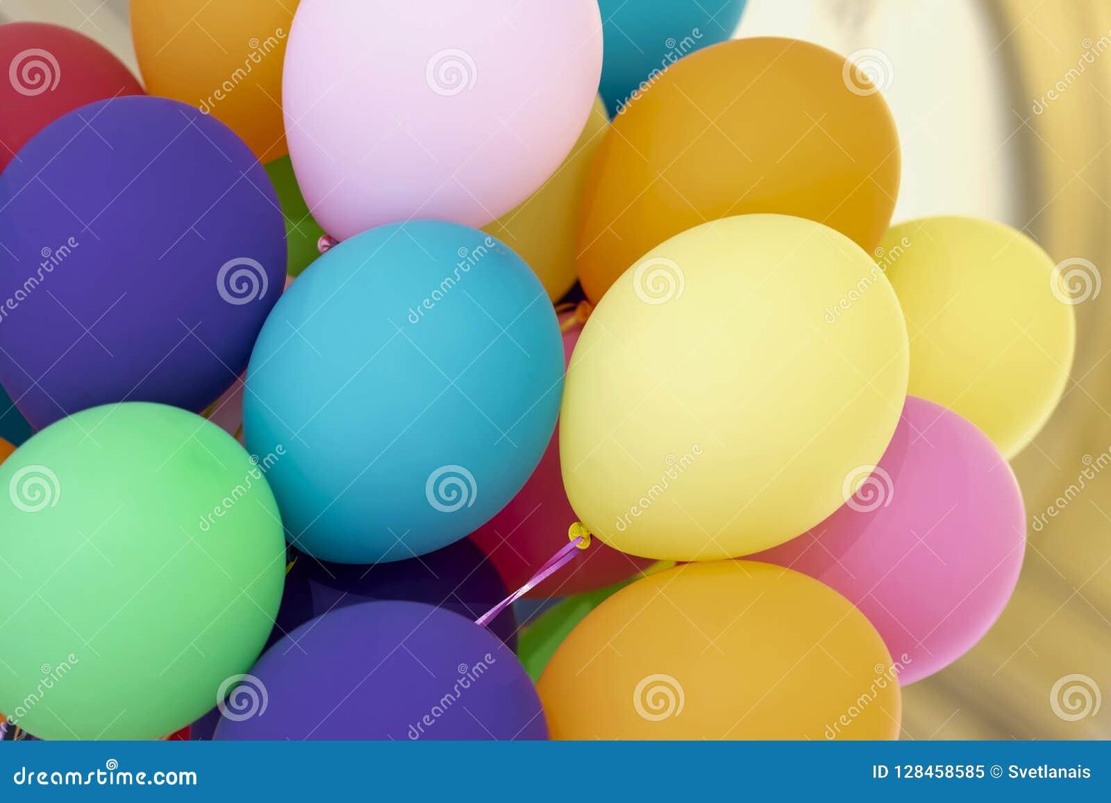 Jaskrawy stubarwny hel szybko się zwiększać zakończenie, świąteczny kolorowy abstrakcjonistyczny tło dla różnych tematów