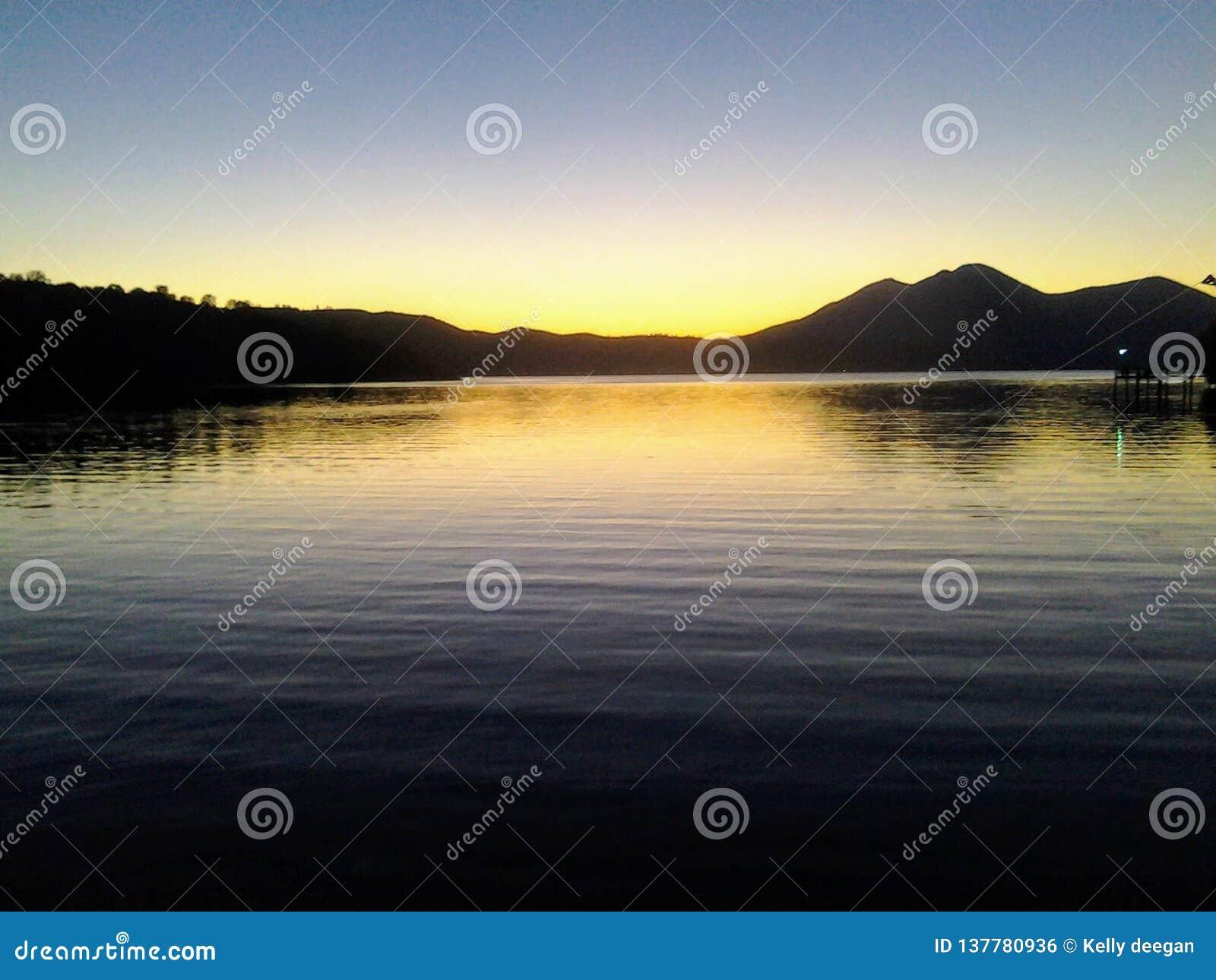 Jasny jezioro