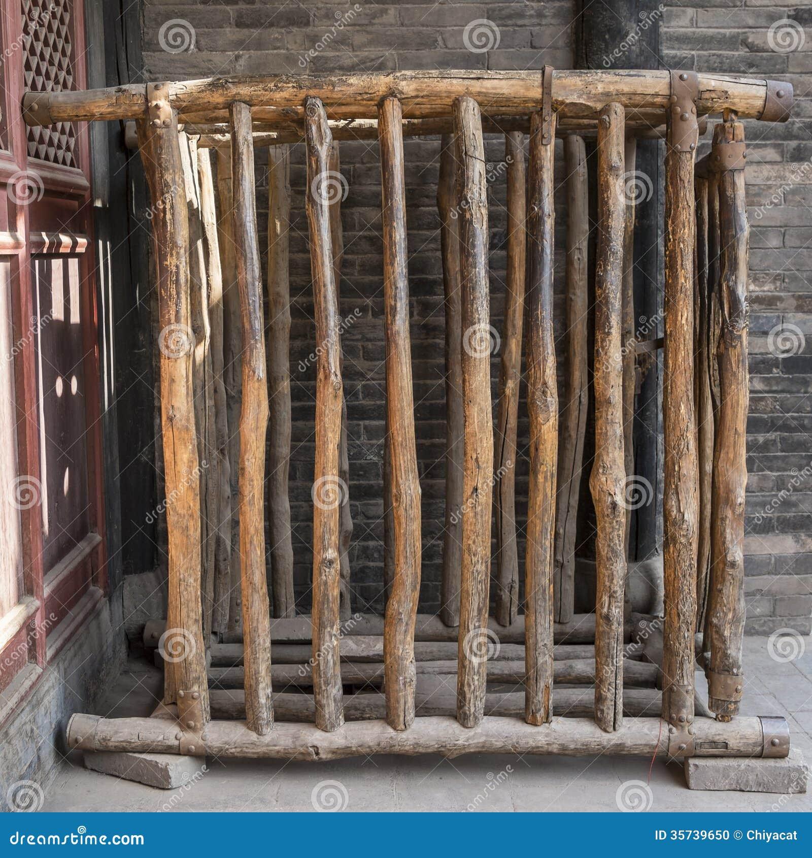 Resultado de imagen de una jaula humana