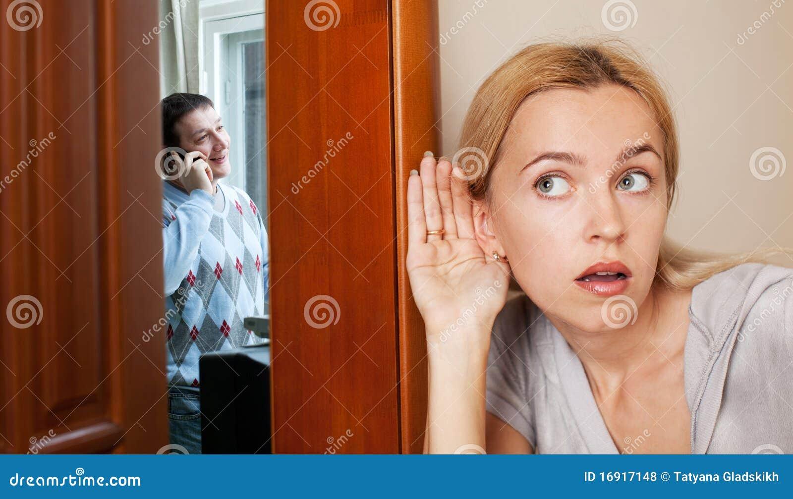 Как выселить человека из квартиры если он в ней прописан 2