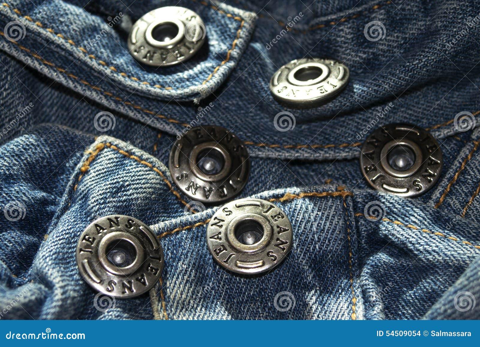 Jeans de bouton en métal
