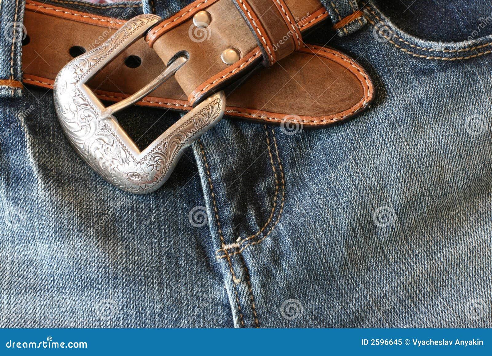 Jeans met een riem